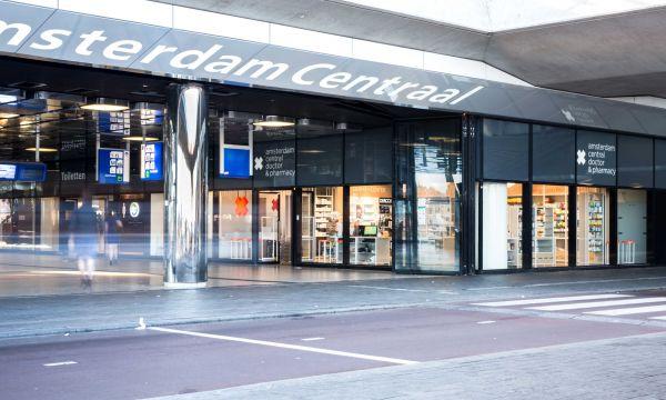 One-stop health store op Amsterdam CS
