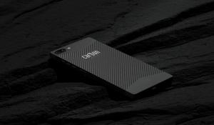PRIMEUR: 's Werelds eerste smartphone gemaakt van koolstofvezel