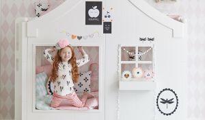 Slapen aan de Amsterdamse gracht in het nieuwe bed van Saartje Prum