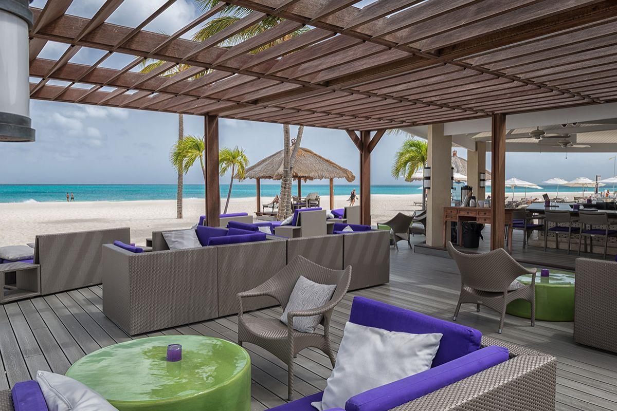Aruba-relax-bucti-tara-beach-Lourens Magazine