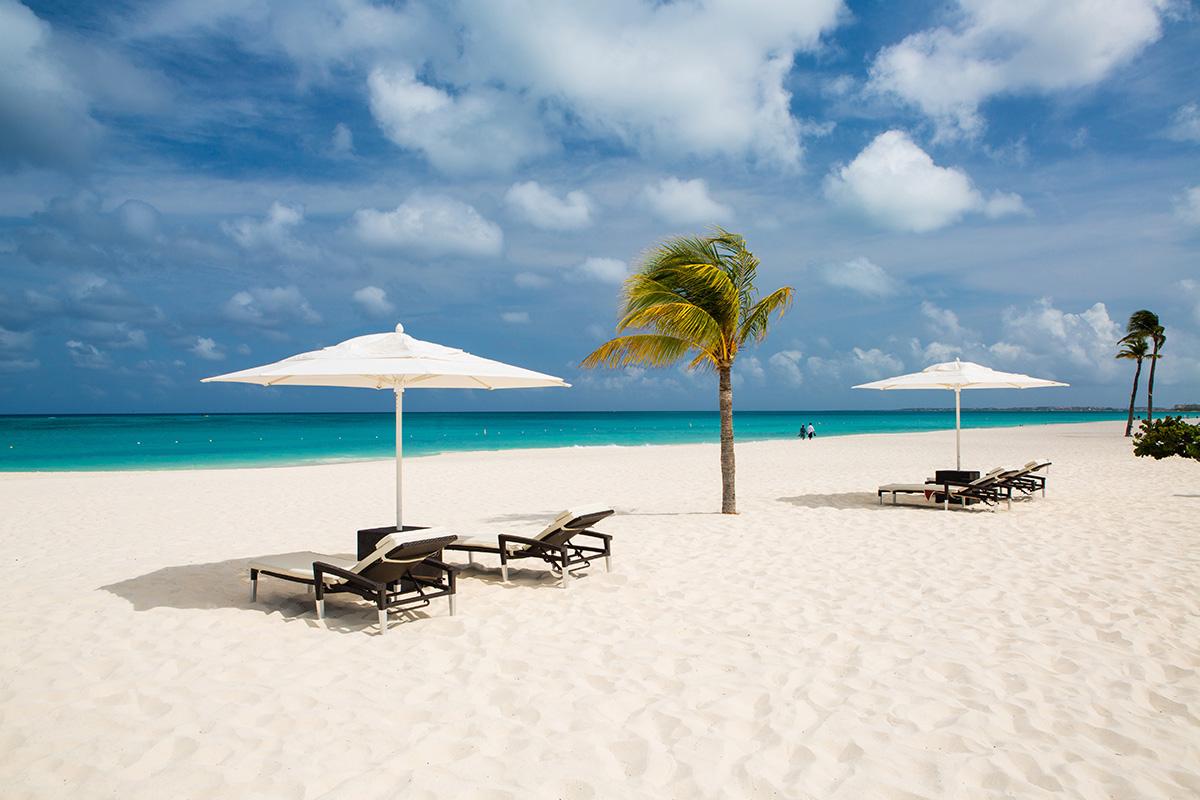 Bucuti-Beach-Chairs-Lourens Magazine