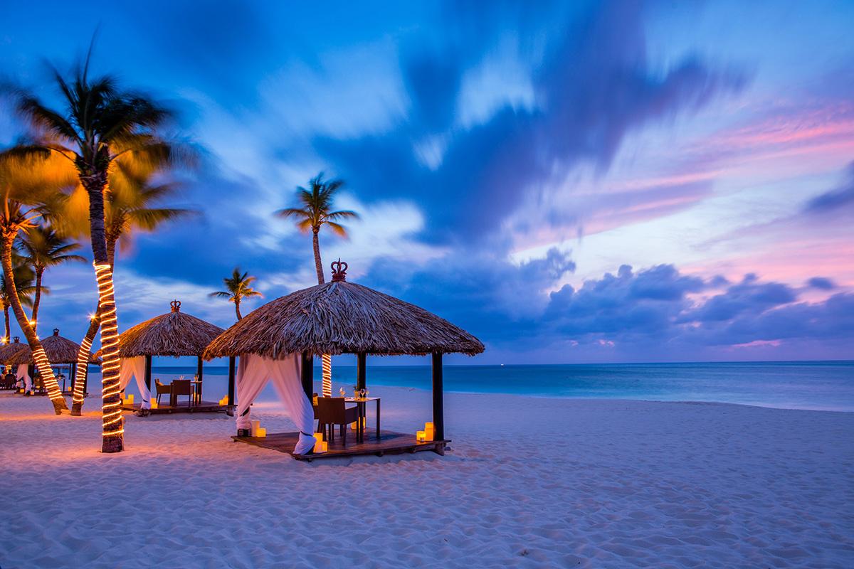 Bucuti-Beach-Sunset-Huts-Lourens Magazine